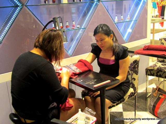 manicure at vedure nailspa