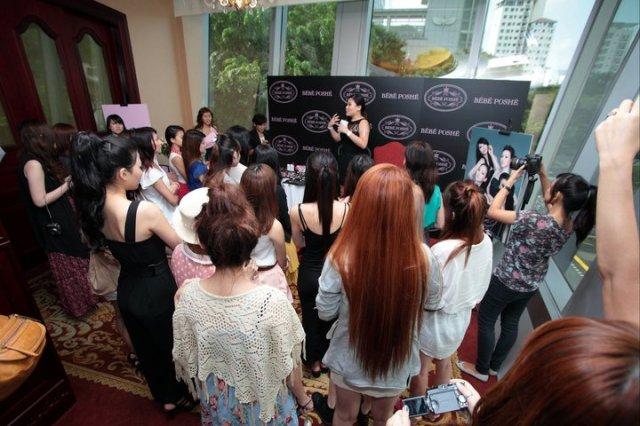 kristen hosting bebe poshe bloggers event