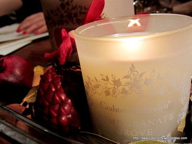 crabtree & evelyn pomegranate candle