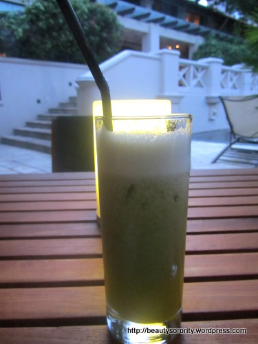 pineapple and mint juice at spa botanica, sentosa