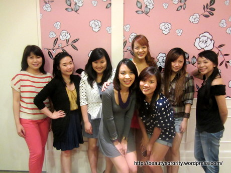 all bloggers at benefit event