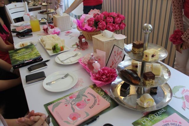 tea set at full house - l'occitane bloggers' party