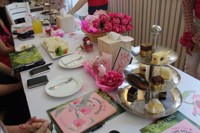 tea set at full house - l'occitane bloggers' party