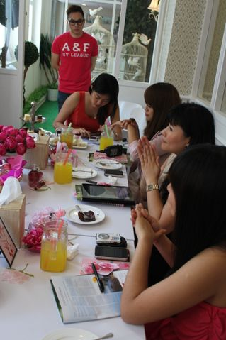 bloggers at l'occitane event