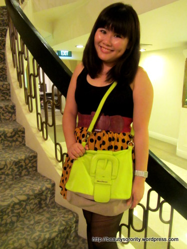adrianna bag in lime tocco tenero, messenger bag and envelope clutch