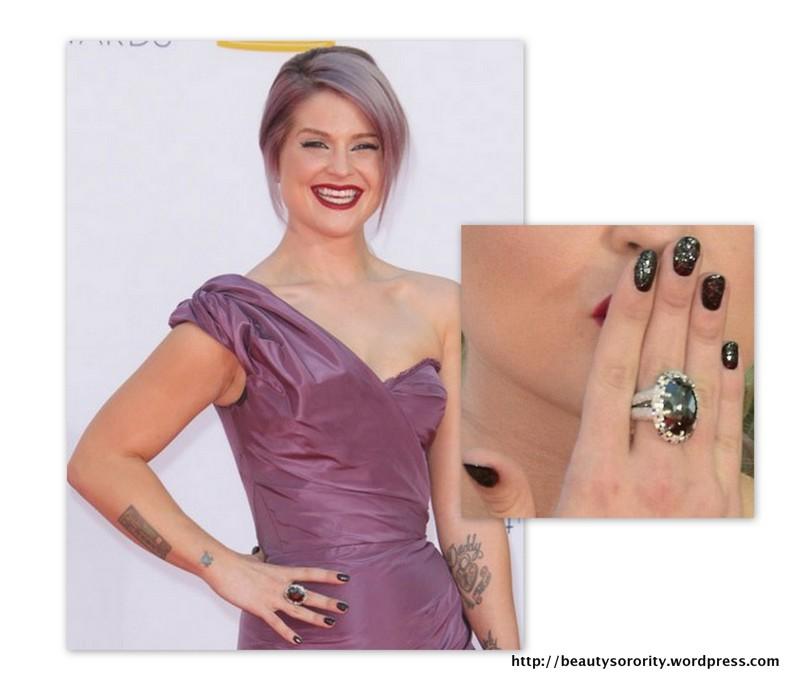 kelly osbourne black diamond manicure - closeup
