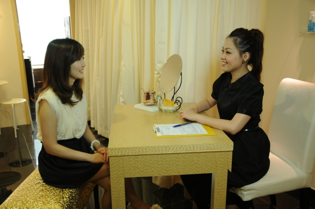 consultation at glomax aesthetics