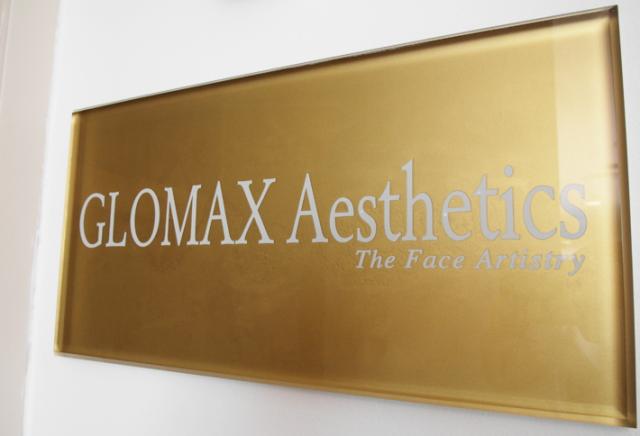 glomax door banner