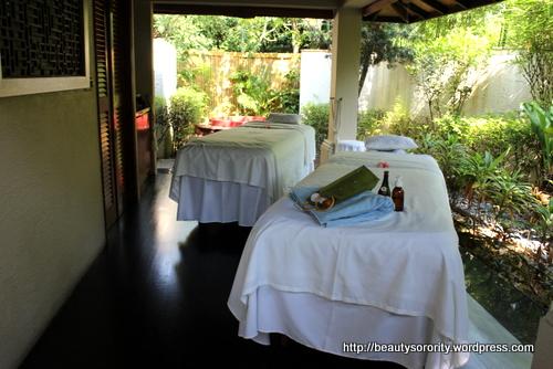 outdoor spa pavilion at spa botanica