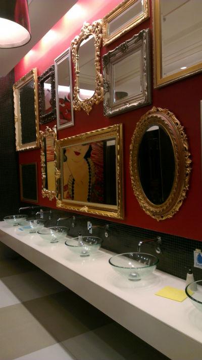 terminal 21 - paris toilet