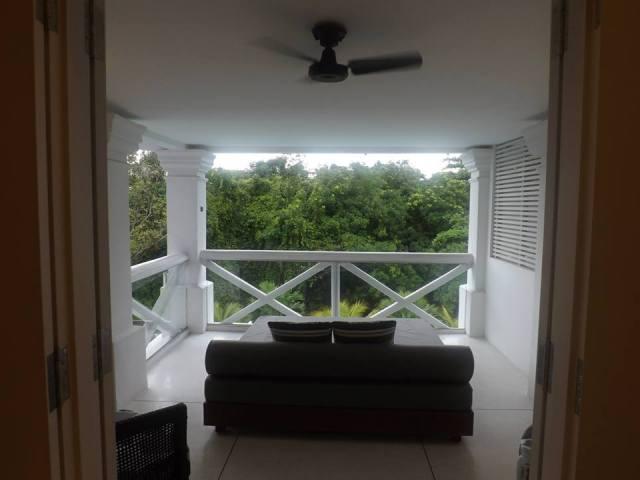 amara sanctuary larkhill terrace balcony and daybed