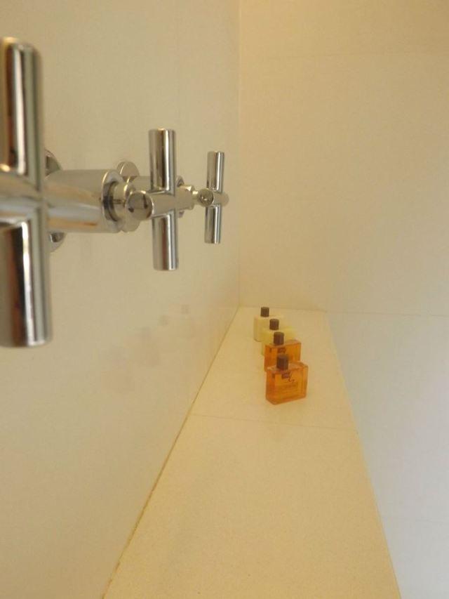 amara sanctuary larkhill terrace shower room
