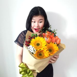 sunflower and tulip bouquet 2