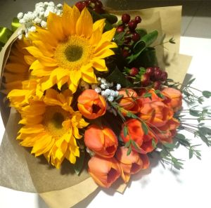 sunflower and tulip bouquet 5
